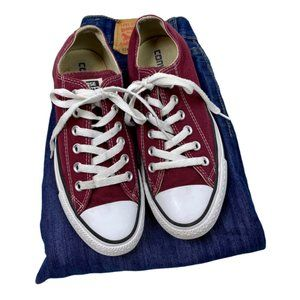 All Star Burgundy Converse tennis sneakers Size 7